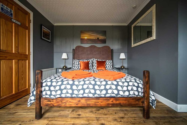 Burnside-B&B-Grey-Suite-Gallery